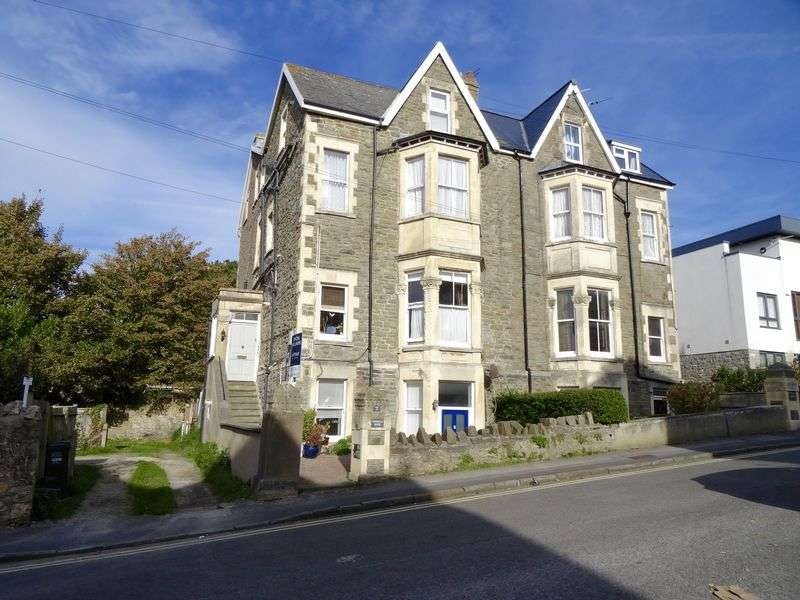 2 Bedrooms Flat for sale in First floor two bedroom Victorian apartment in mid Clevedon