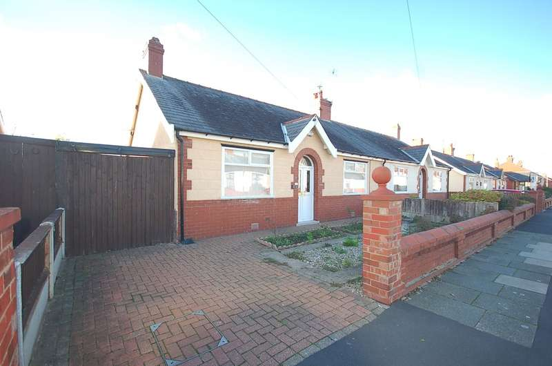 2 Bedrooms Semi Detached Bungalow for sale in Seattle Avenue, Blackpool