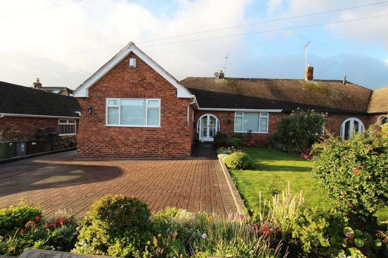 3 Bedrooms Semi Detached Bungalow for sale in Seabank Road, Lower Heswall