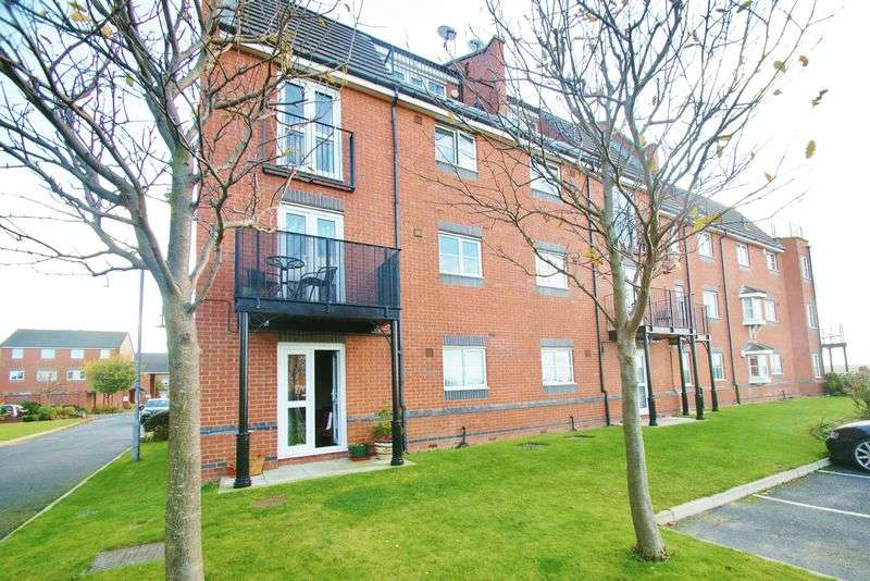 2 Bedrooms Flat for sale in 96 Armstrong Quay, Liverpool