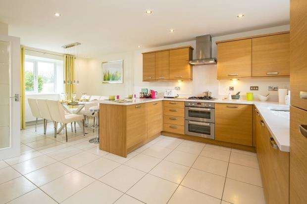 4 Bedrooms Detached House for sale in Trevenson Meadows, Trevenson Road, Trencreek, Newquay