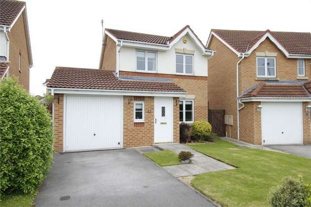 3 Bedrooms Detached House for sale in Caddon Avenue, South Elmsall, Pontefract, West Yorkshire