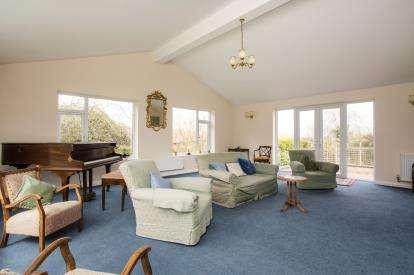 4 Bedrooms Detached House for sale in Station Road, Little Massingham, Norfolk