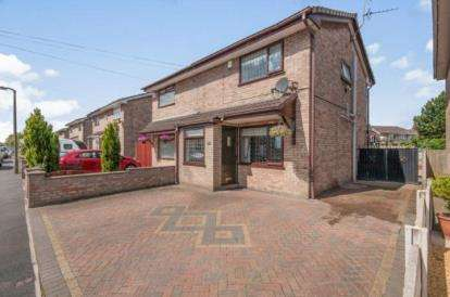 3 Bedrooms Semi Detached House for sale in Taylor Road, Haydock, St Helens, Merseyside