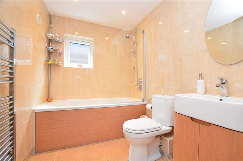 3 Bedrooms Semi Detached House for sale in Brook Road, Redhill, Surrey