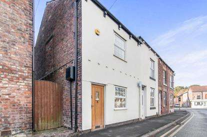 2 Bedrooms Terraced House for sale in Station Road, Handforth, Wilmslow, Cheshire