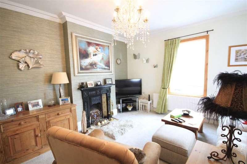 2 Bedrooms Maisonette Flat for sale in Sparrows Herne, Bushey, WD23.