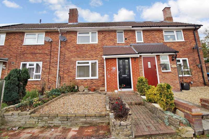2 Bedrooms Terraced House for sale in Damask Green, Chaulden,Hemel Hempstead