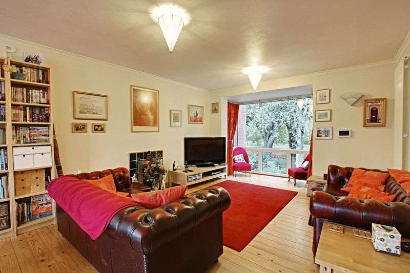 4 Bedrooms Terraced House for sale in The Parade, Hull
