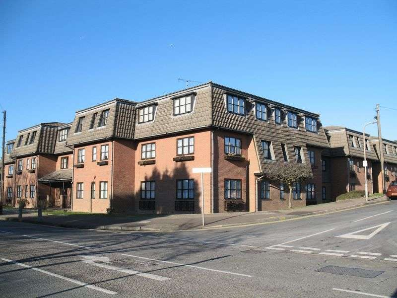 2 Bedrooms Retirement Property for sale in Eastwood, SS9