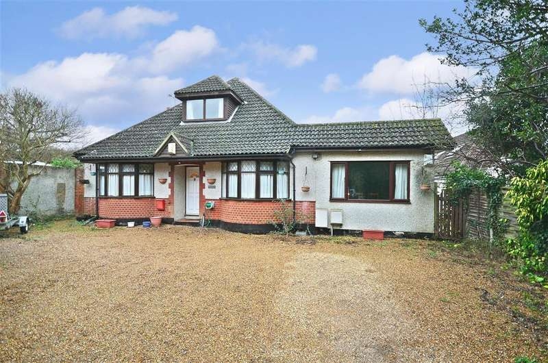 5 Bedrooms Bungalow for sale in Ash Road, Hartley, Longfield, Kent