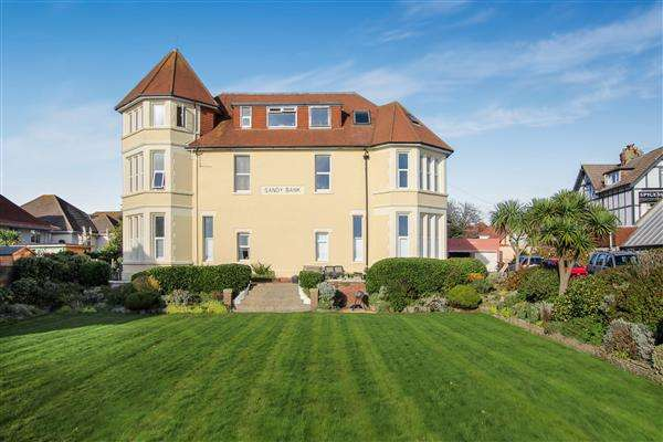 2 Bedrooms Flat for sale in Southbourne Overcliff Drive, Bournemouth