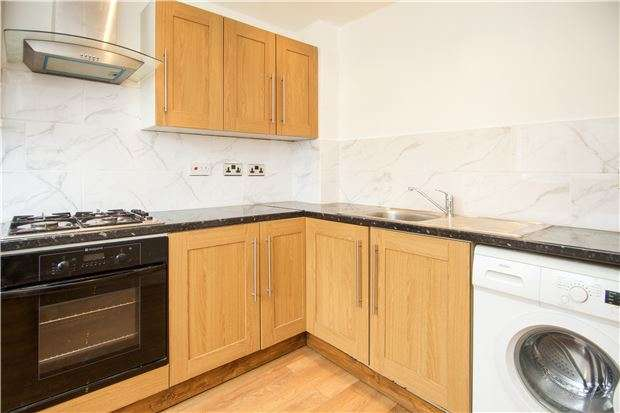 3 Bedrooms End Of Terrace House for sale in Essoldo Way, Edgware, Middx, HA8 5NU