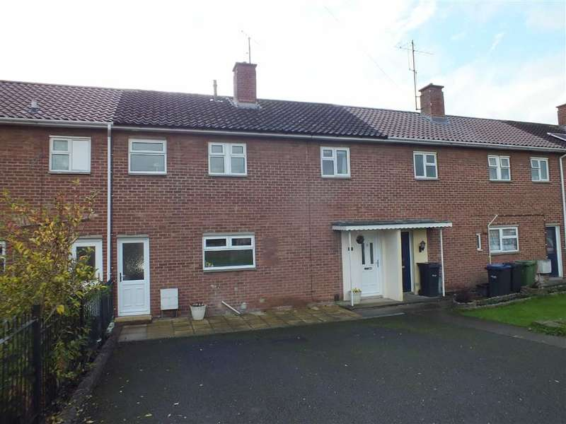 3 Bedrooms Property for sale in St Johns Crescent, Trowbridge, Wiltshire, BA14