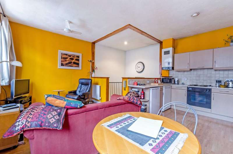 2 Bedrooms Terraced House for sale in St Georges Square, Limehouse, E14