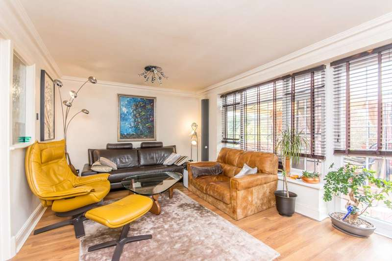 3 Bedrooms Flat for sale in Elm Park Road, Finchley, N3