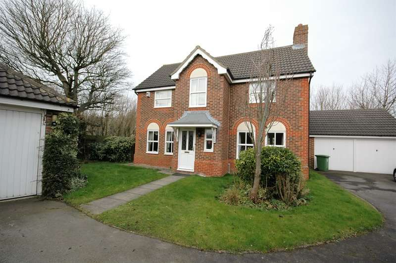 4 Bedrooms Detached House for sale in Woodlands Walk, Stokesley, North Yorkshire, TS9