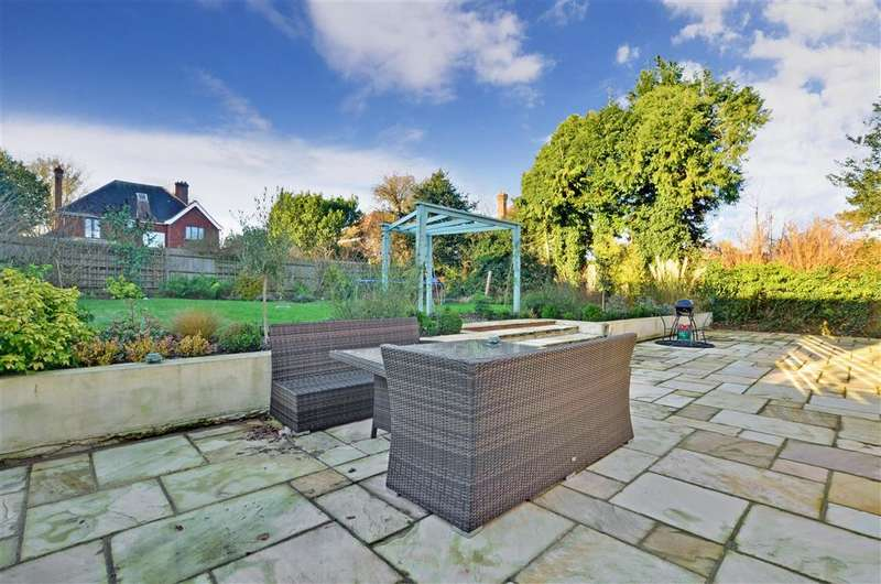4 Bedrooms Detached House for sale in Albertine Close, Epsom Downs, Surrey