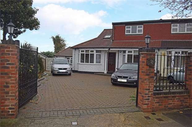 5 Bedrooms Semi Detached Bungalow for sale in Belmont Avenue, Upminster, Essex