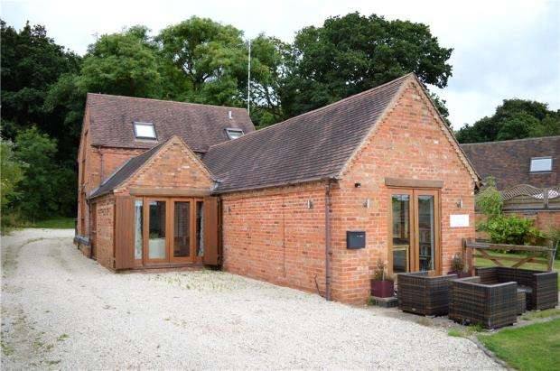 3 Bedrooms Detached House for sale in Pagets Lane, Bubbenhall, Warwickshire