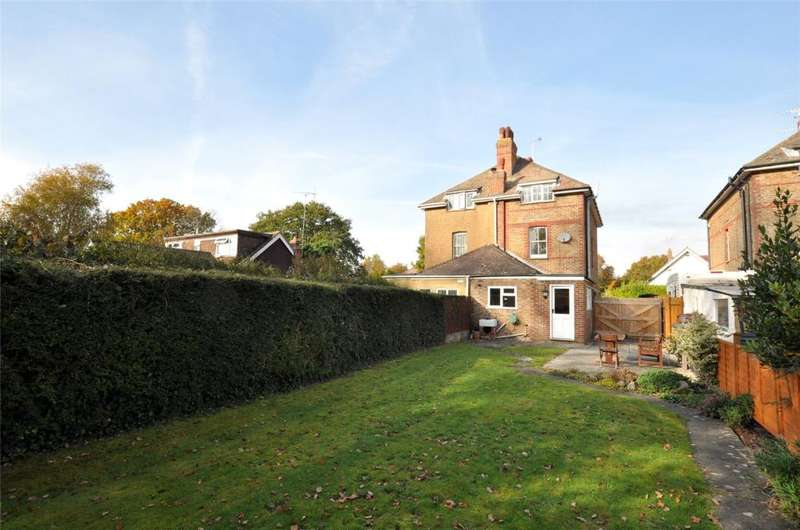 3 Bedrooms Semi Detached House for sale in Elm Grove South, Barnham, Bognor Regis, West Sussex, PO22
