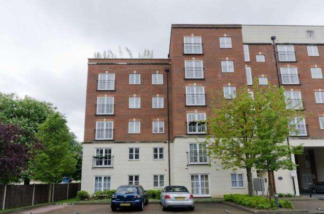2 Bedrooms Flat for sale in Lordship Lane, London SE22