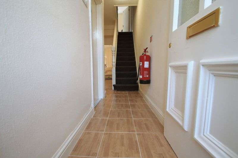 6 Bedrooms House for rent in Allensbank Crescent, Cardiff