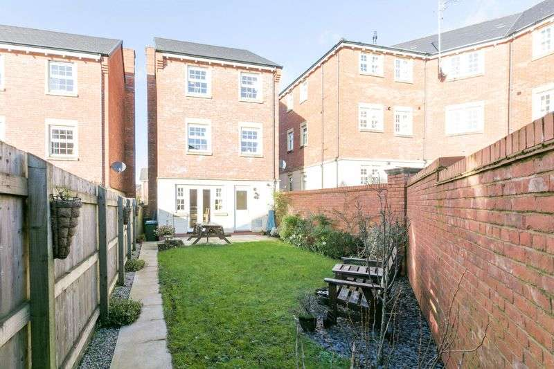 5 Bedrooms Detached House for sale in Lower Burgh Way, Chorley, PR7 3TJ