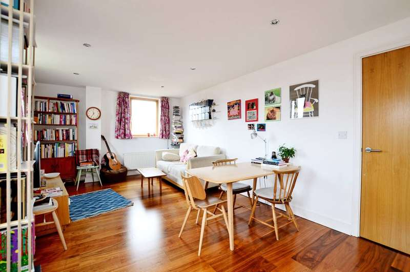 2 Bedrooms Flat for sale in Wolverley Street, Bethnal Green, E2