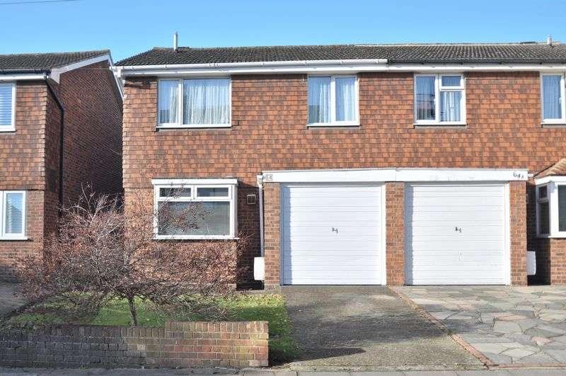 4 Bedrooms Semi Detached House for sale in Albert Road, Bexley