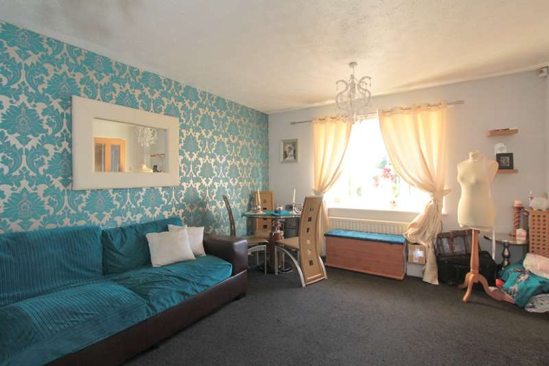 2 Bedrooms Bungalow for sale in Sanderling Court, Bradford, West Yorkshire, BD8