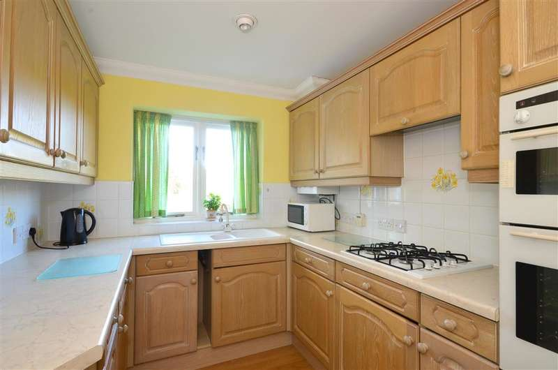 2 Bedrooms Terraced House for sale in Tanners Hill, Hythe, Kent