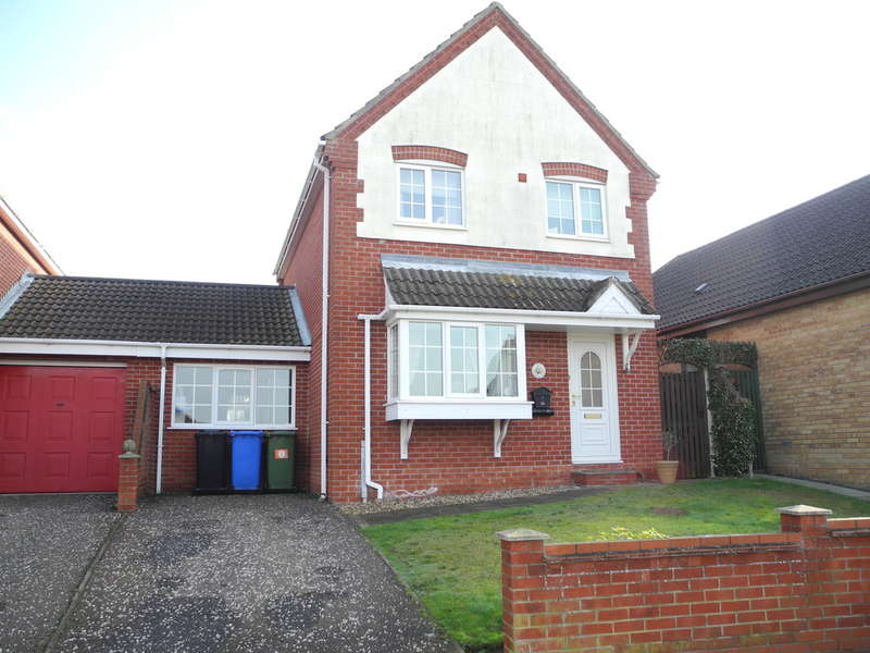 3 Bedrooms Detached House for sale in Nicholson Drive, Beccles, Suffolk