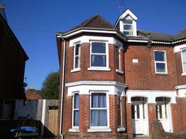 8 Bedrooms Semi Detached House for rent in Alma Road, Portswood, Southampton