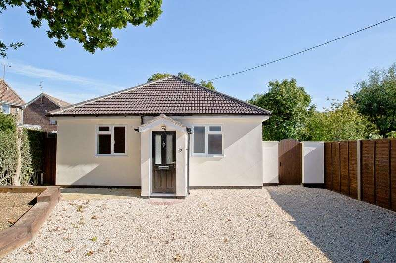 2 Bedrooms Detached Bungalow for sale in Janes Lane, Burgess Hill