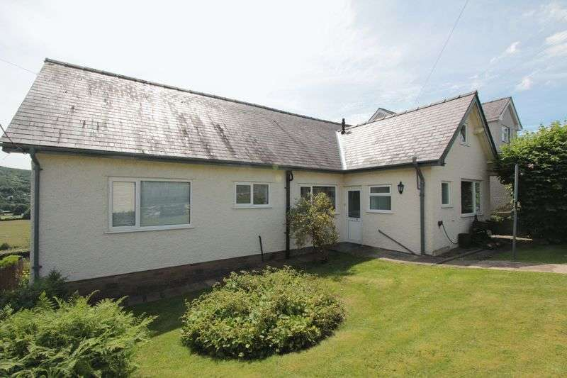 3 Bedrooms Detached Bungalow for sale in Maesafallen, Corwen