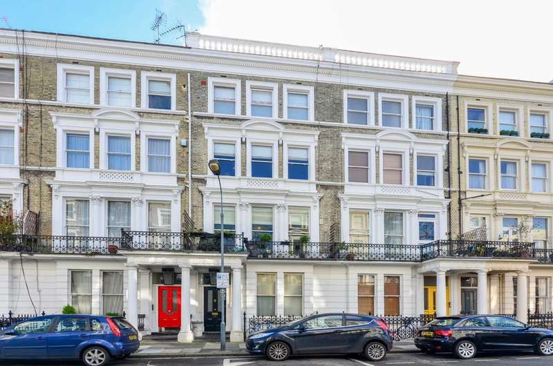 2 Bedrooms Flat for sale in Castletown Road, Barons Court, W14