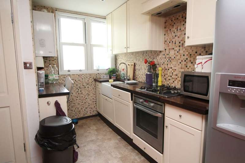 2 Bedrooms Flat for sale in Marine Parade, Bognor Regis, PO21