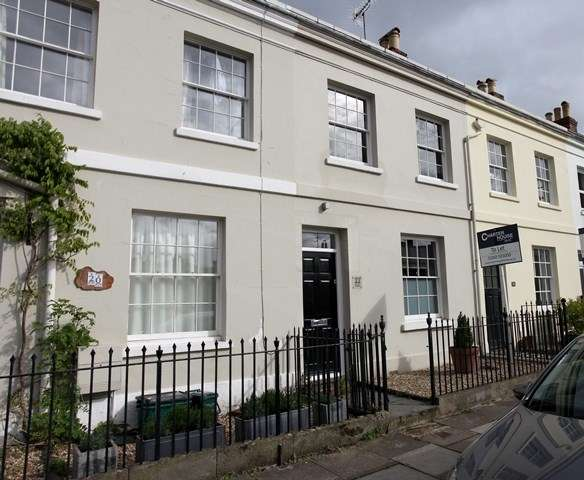 3 Bedrooms Terraced House for sale in Painswick Road, Cheltenham, Gloucestershire