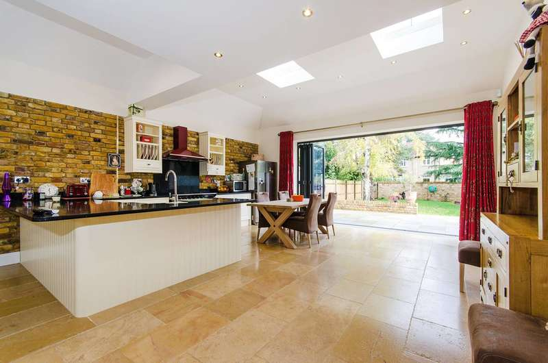 5 Bedrooms House for sale in Lime Grove, Eastcote, HA4