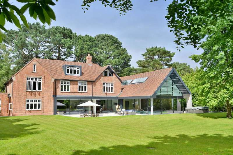 6 Bedrooms Detached House for sale in Martello Road, Branksome Park