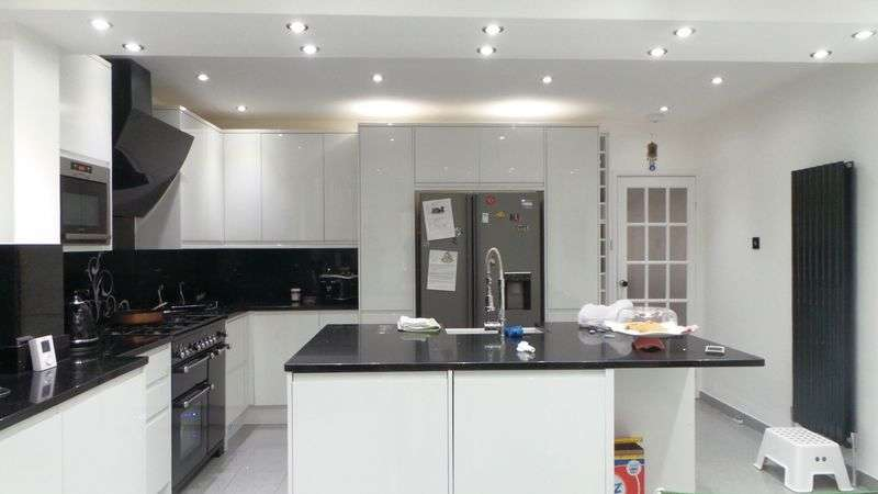 3 Bedrooms Terraced House for sale in Nightingale Road, Edmonton, N9