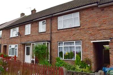 3 Bedrooms Terraced House for sale in Courtenay Avenue, Harrow Weald