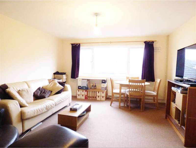2 Bedrooms Maisonette Flat for sale in Marmot Road, Hounslow, , TW4 7PS