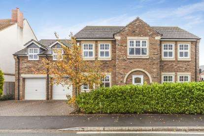 5 Bedrooms Detached House for sale in Portchester Close, Ingleby Barwick, Stockton-On-Tees, Stockton On Tees