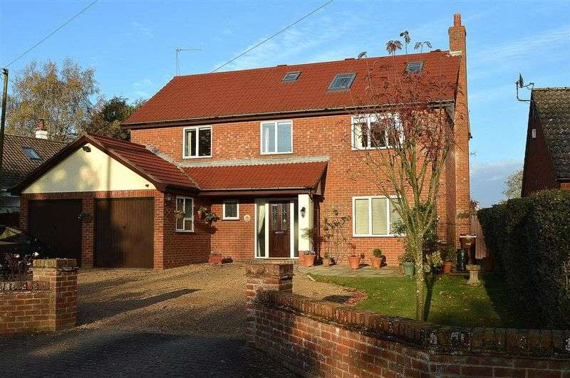 5 Bedrooms Detached House for sale in Seamere Road Hingham