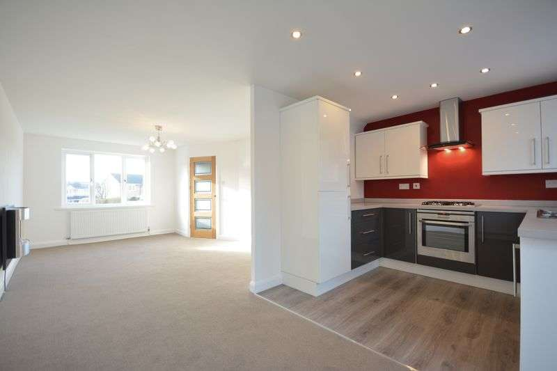 3 Bedrooms Semi Detached House for sale in Cottom Croft, Clayton-le-Moors