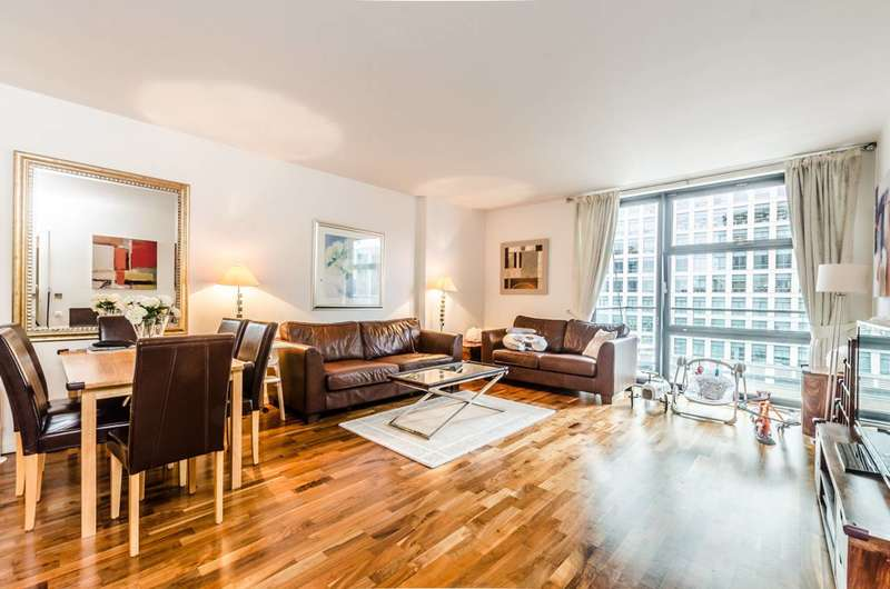 2 Bedrooms Flat for sale in Discovery Dock West, Canary Wharf, E14