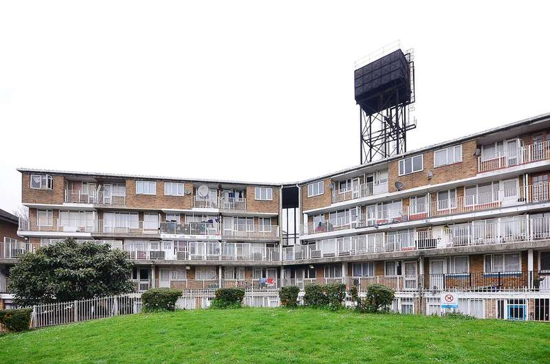 5 Bedrooms Maisonette Flat for sale in Lucey Way, Bermondsey, SE16