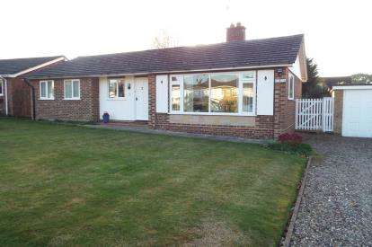 3 Bedrooms Bungalow for sale in Horning, Norwich, Norfolk